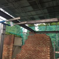 Building up roof structure for a tree storey building on Lewisham High Street03